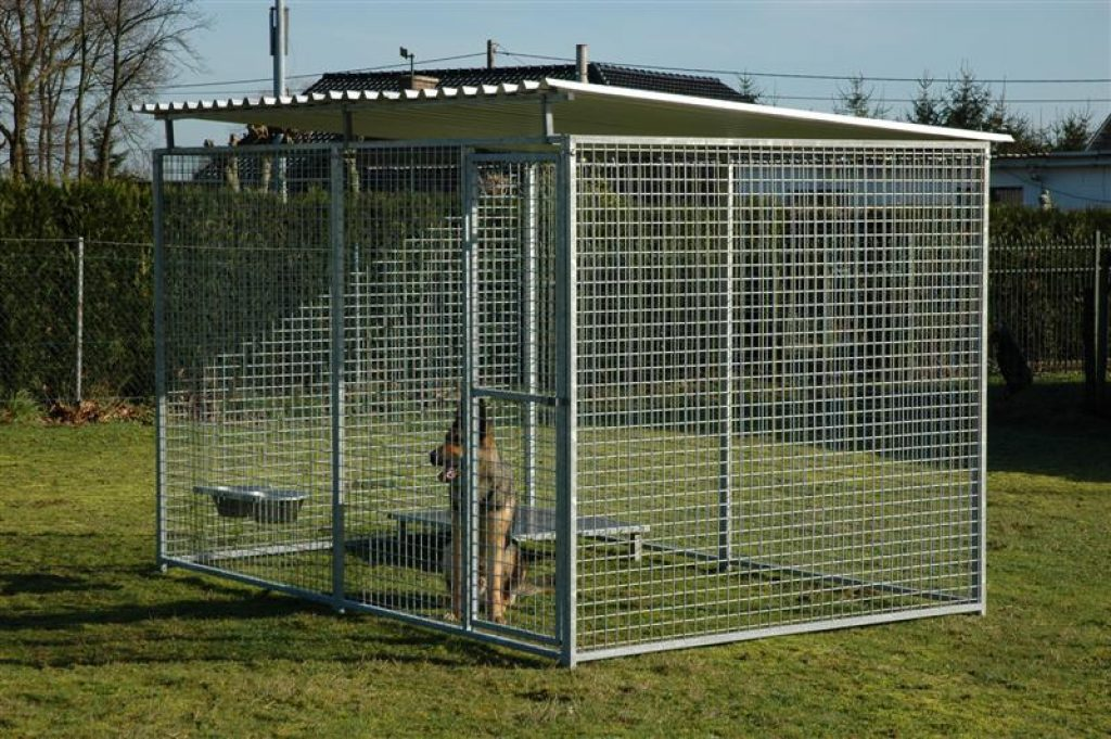 how to build an outside dog kennel